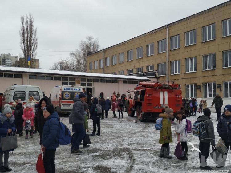 Детей доставили в больницу: в школе в Одесской области распылили неизвестный газ