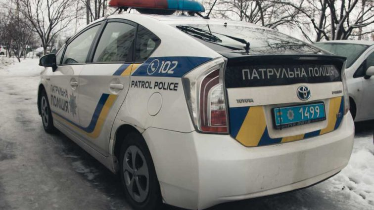 Повесился на ремне в своей квартире: киевлянин покончил с собой