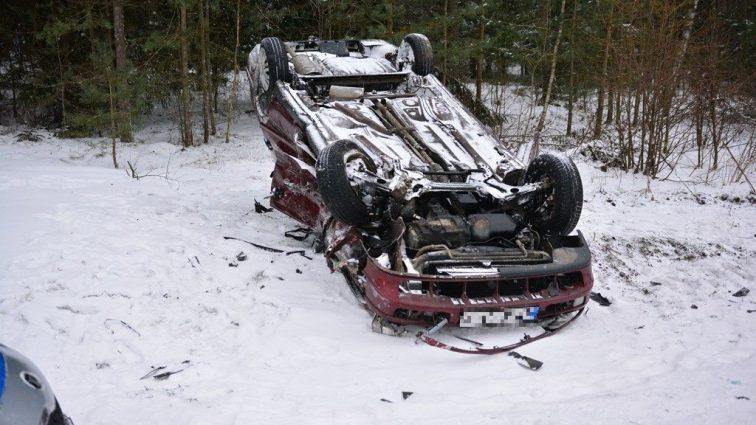 От мощного удара авто перевернулось на крышу: украинец в Польше попал в жуткую ДТП