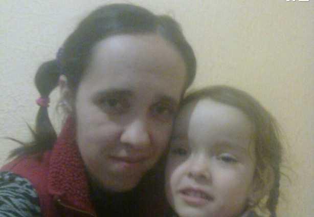 «Пошла за ребенком в школу и не вернулась»: под Киевом загадочно исчезла мать с дочерью
