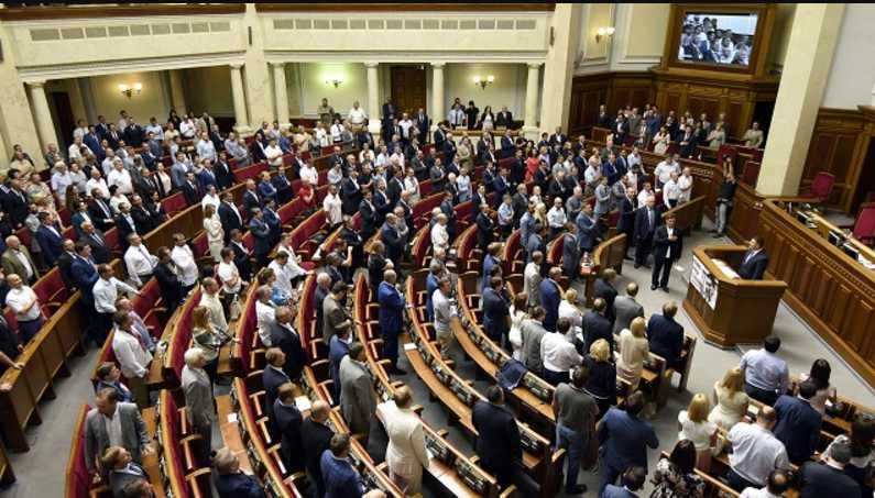 Тимошенко выгнали из партии, потому что собрался в президенты