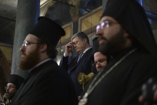 Украина получила Томос: выражение лица Порошенко поставило на уши Сеть