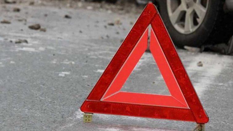 Тройное ДТП под Харьковом: легковушка отбросило на автобус, мужчина погиб