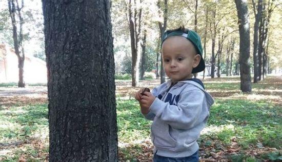 Подарите ребенку слух: маленький Филипп нуждается в вашей помощи