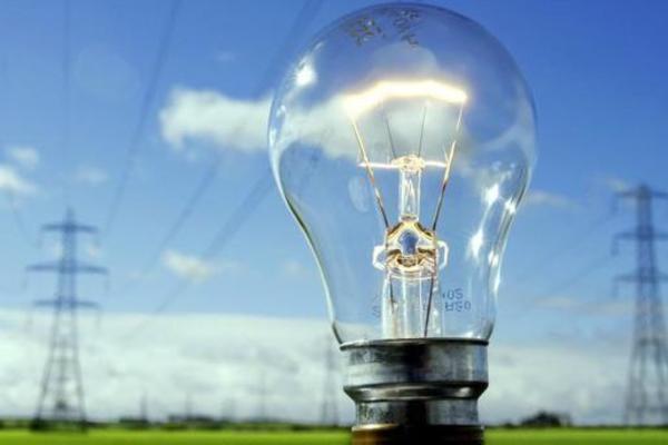 С 1 января в Украине запустили рынок электроэнергии: теперь все должны оформить новые договора
