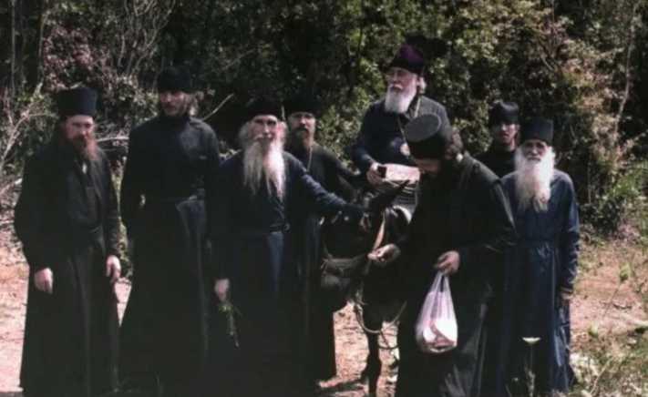Украину ждет трудное время: Сенсационное пророчество Афонских старцев