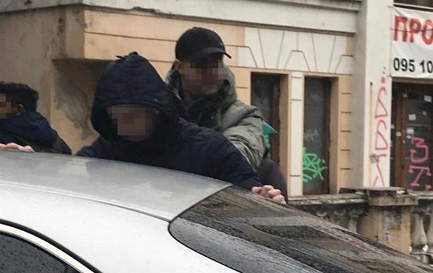В Запорожье на взятке задержали двух сотрудников СБУ