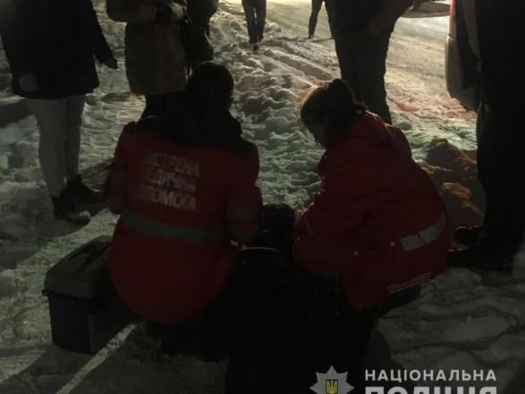 Трагическая смерть в Киевской области: посреди улицы обнаружили тело мужчины с ножевыми ранениями