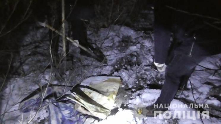 Тело закопал на огороде: В Виннице мужчина жестоко убил своего отца
