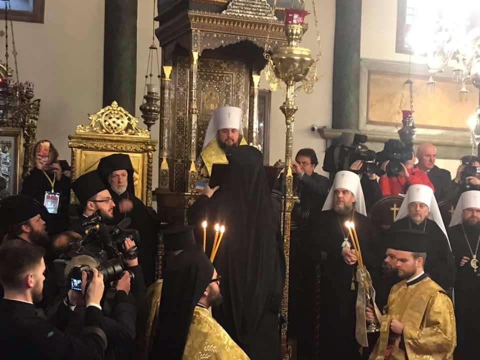 На вручение Томоса в Стамбул прибыл «авторитет» команды Порошенко из Днепра