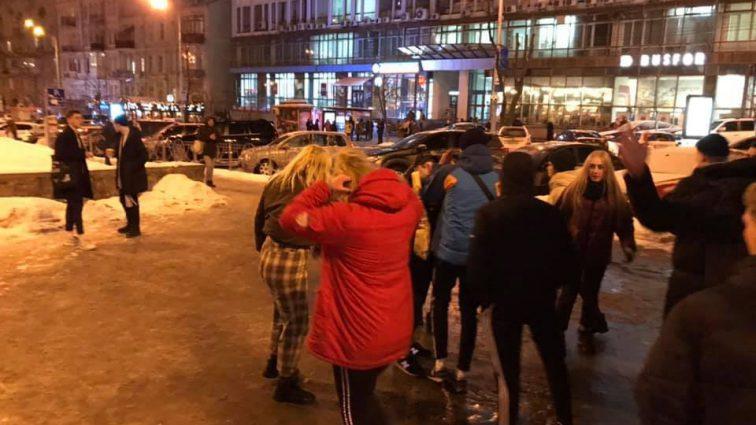 Били ногами, не останавливались: появились подробности нападения подростков в центре Киева