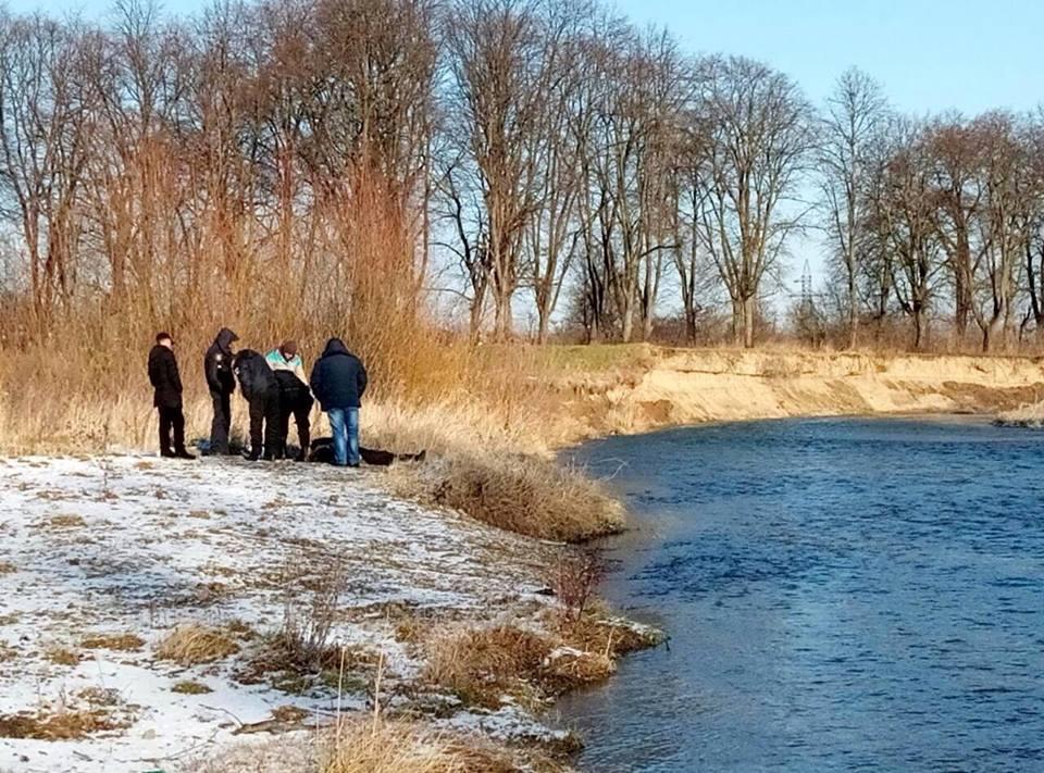 Пришли на речную купальню на Крещение: Во Львовской области на Иордан в реке обнаружили тело мужчины