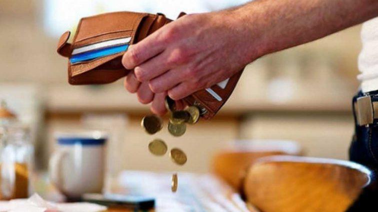 Неплательщиков алиментов устроят на работу: сообщили детали
