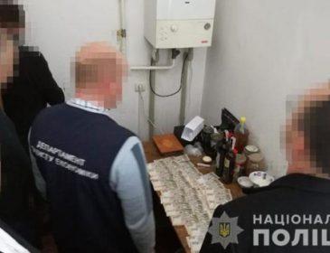 На взятке 30 тысяч гривен: Во Львове задержали чиновника Держаудитслужбы