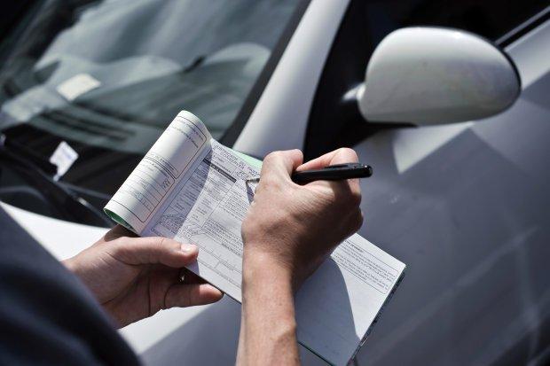 Превышение скорости и неправильная парковка: за что и сколько заплатят водители в 2019
