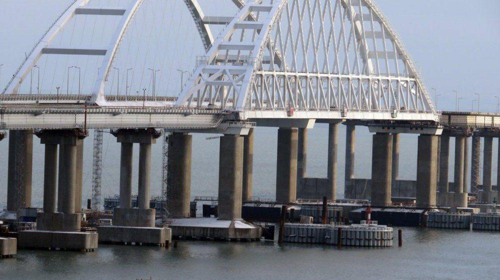 Еще стоит, но увидим: Наконец рассказали о реальном положении Керченского моста