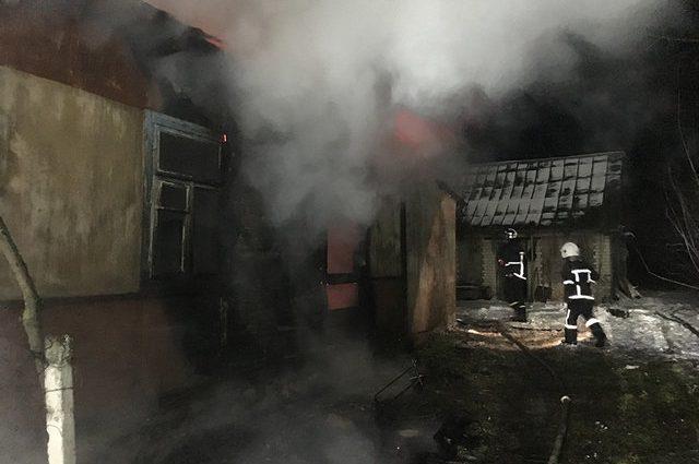 Под Ровно страшный пожар в жилом доме унес жизни двух человек