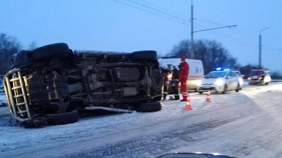 Роковая ДТП в Ивано-Франковской области: два человека погибли еще шесть пострадали
