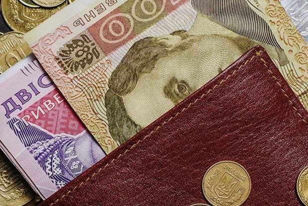На 1000 больше: украинцам пересчитают пенсии, кому достанется «бонус»