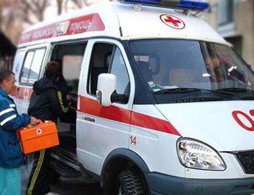 «Скорая» не успела: во Львове подросток выпал из окна и погиб