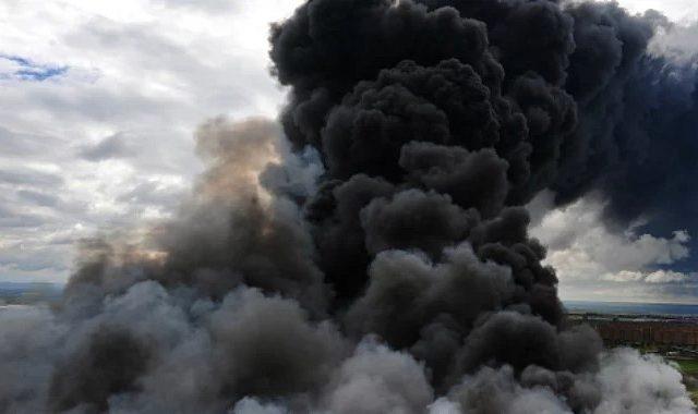 Мощный взрыв прогремел в Крыму, многоэтажка в огне: первые подробности