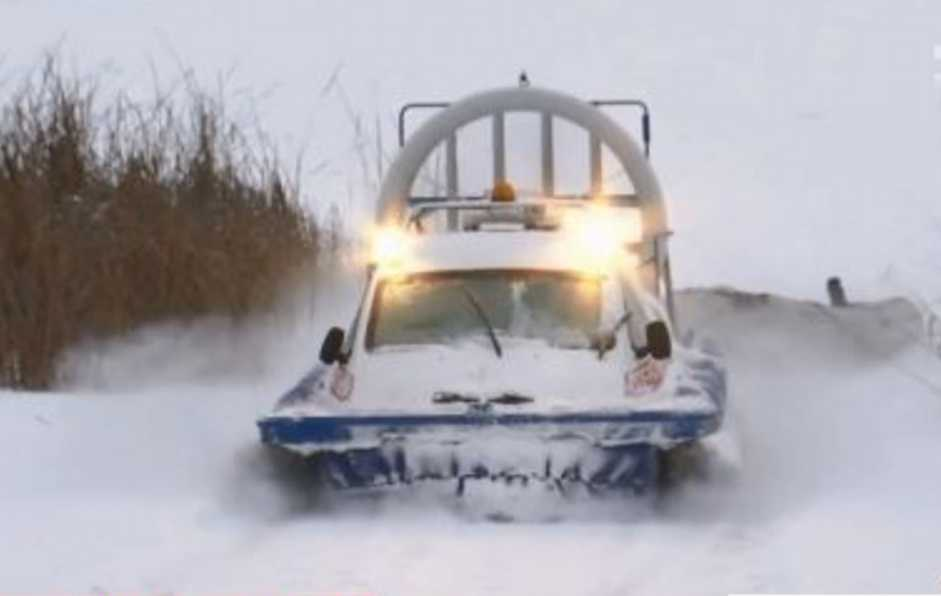 На «Киевском море» утонул снегоход с рыбаками: мужчин ищут