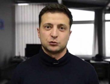 » Встать на колени »: Зеленского втянули в новый скандал