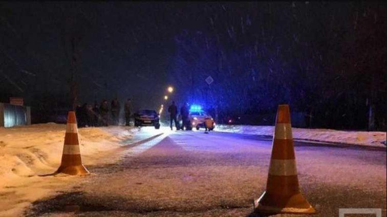 Внезапно начал движение автомобиля: нарушитель сбил копа, который оформлял ДТП
