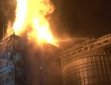 Огонь столбом: под Львовом вспыхнул мощный пожар на заводе