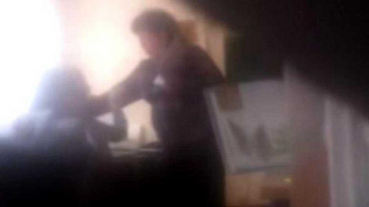 Избила ученицу перед всем классом: Завуч школы попала в скандал