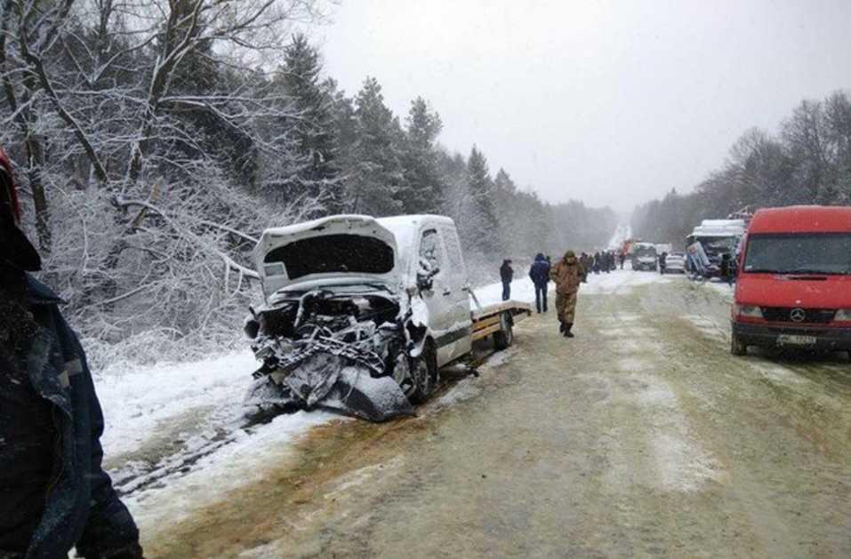 Роковая ДТП на трассе Львов — Шегини: два человека погибли еще десять пострадали