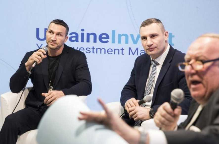 «Не смог это сделать с первой попытки» С Кличко в Давосе произошел небольшой конфуз