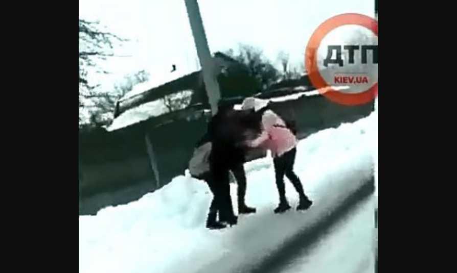 » Это чудовище! »: Сообщили детали жесткого избиения школьницы под Киевом