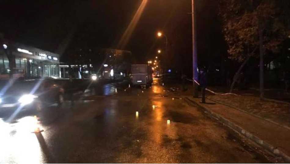 Жуткая ДТП в Ровно: влюбленная пара попала под колеса автобуса