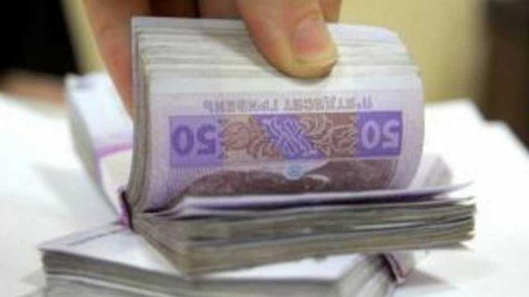 Продавал экспертизы: начальник госпредприятия в Киеве попался на взятки