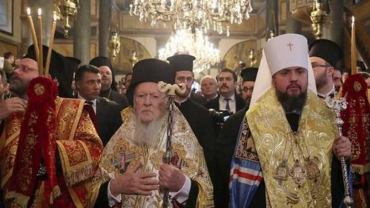 » Обычная бумажка »: Томос для Украины не на шутку разозлил РПЦ