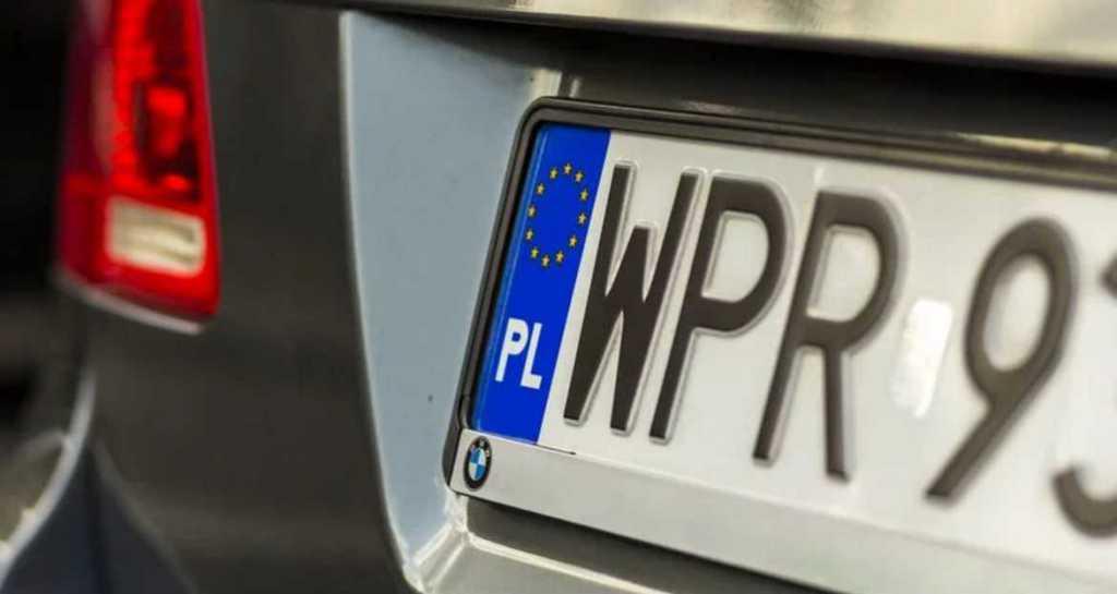 «Теперь не нужно ждать 365 дней»: в Украине упростили продажу растаможенных авто