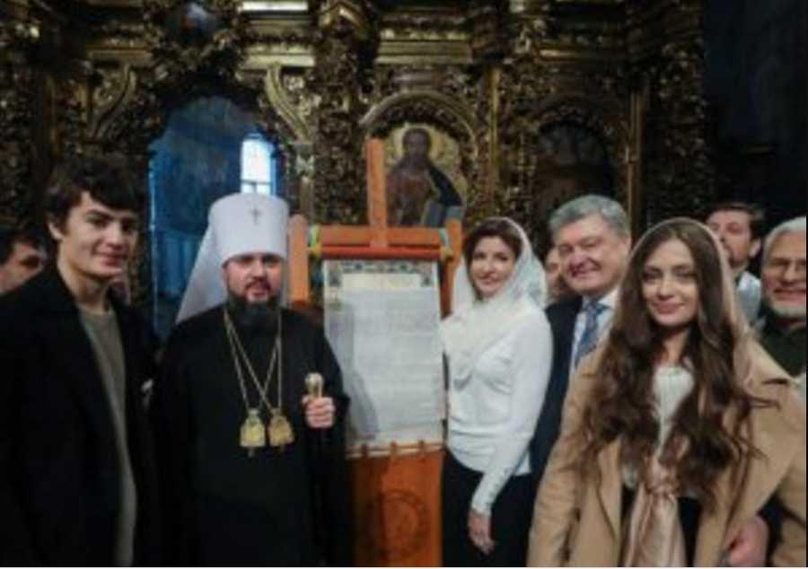 Церковный вопрос станет главным! Эксперт раскрыл планы Порошенко на выборы