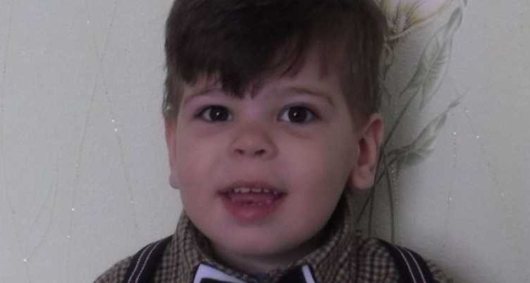 Осуществите мечту маленького мальчика: помогите Андрюше начать самостоятельно ходить