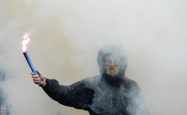 «Титушки ворвались в университет, начались столкновения»: что происходит в центре Киева
