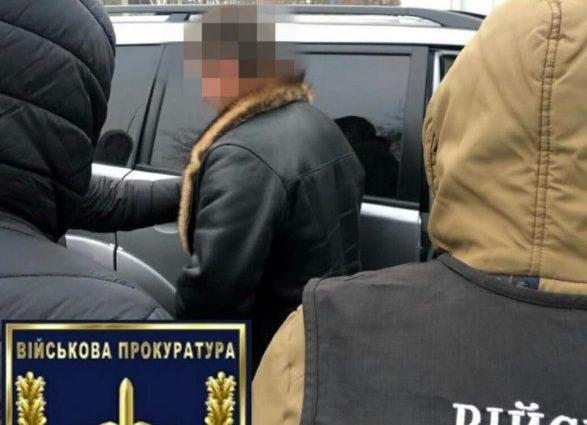 На взятке в 31 тысяч долларов задержали влиятельного чиновника