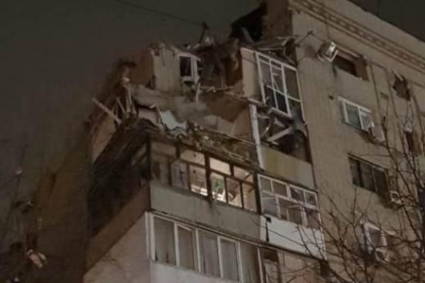 В многоэтажке прогремел мощный взрыв: под завалами люди