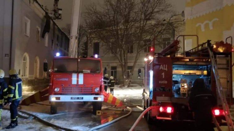 Пожар в Киево-Печерской лавре: в полиции раскрыли неожиданные детали