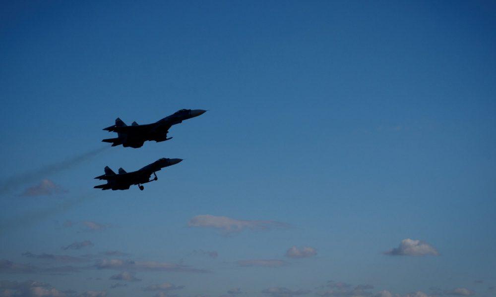 Украина по тревоге подняла боевую авиацию в небо над Донбассом