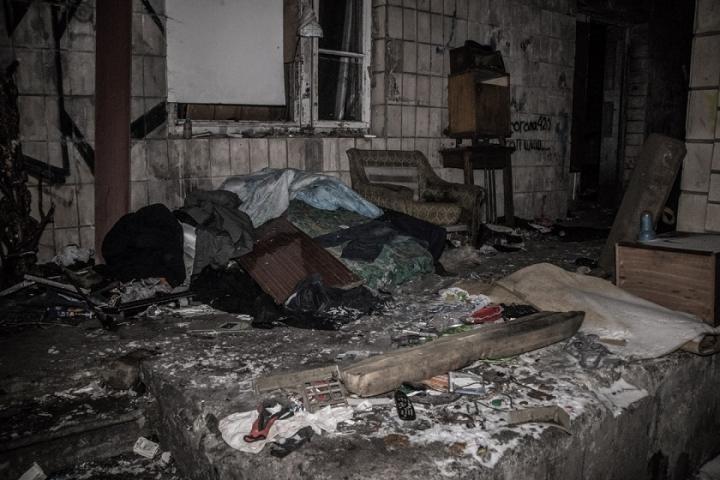 В Киеве среди кучи мусора обнаружили тело мужчины