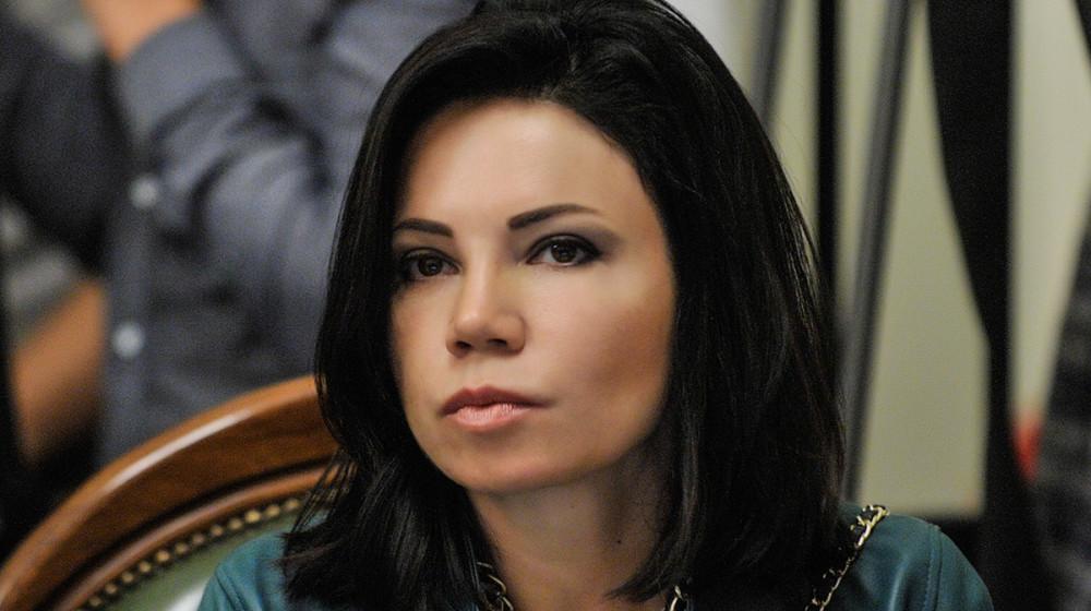 Стоимостью в три «минималки»: Нардеп пришла в парламент с сумочкой за 11 200 гривен