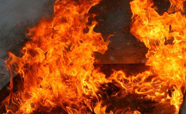 Жуткий пожар в жилом доме: Десятки людей заживо сгорели в собственном доме