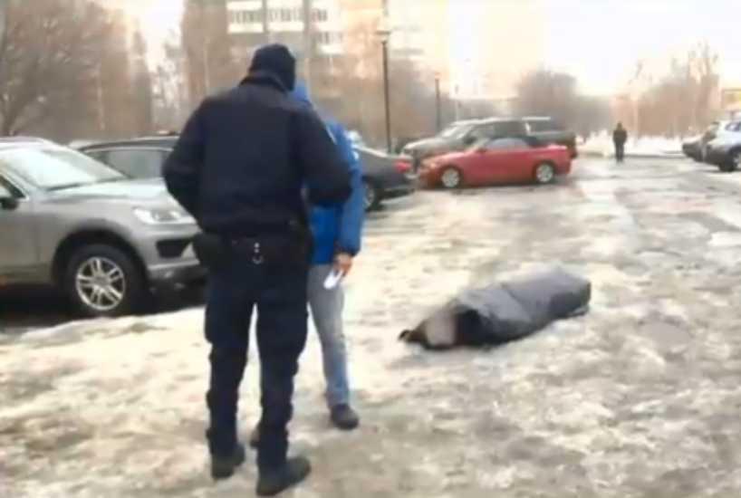Люди просто проходили мимо: В Киеве из-за равнодушия людей умер человек