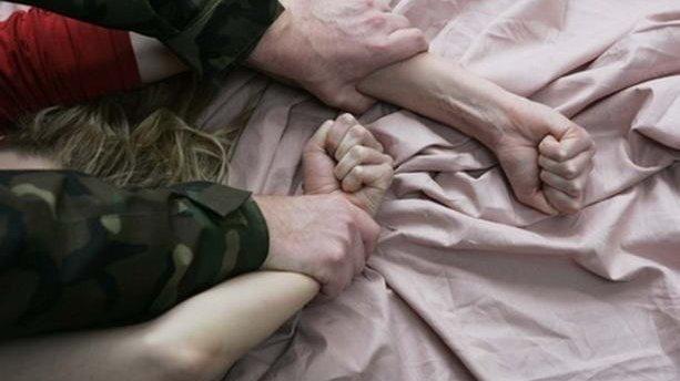 Бросили умирать в подвале: в Одессе двое неадекватных жестоко расправились над женщиной
