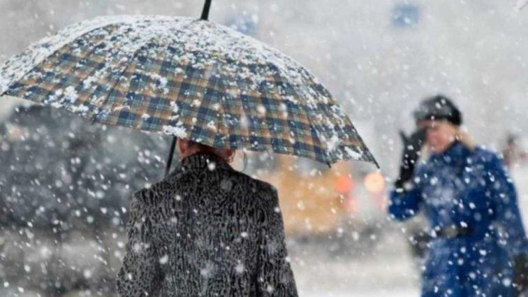 Шквальный ветер и мороз: в Украине объявили штормовое предупреждение